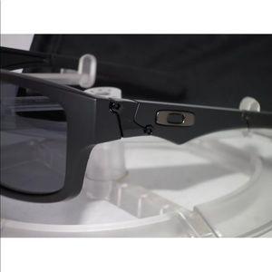 541ca7056bc Oakley Accessories - OAKLEY JUPITER SQUARED OO9135-25 Matte Black Grey